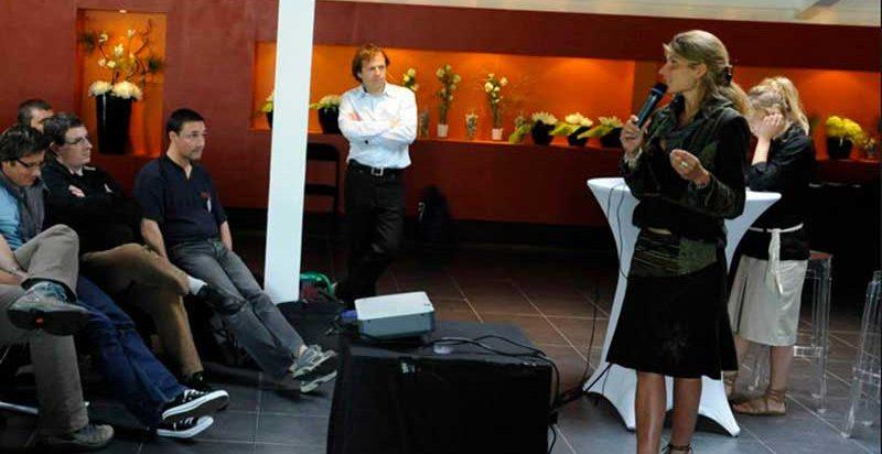 Karine Baillet lors d'une conférence en entreprise