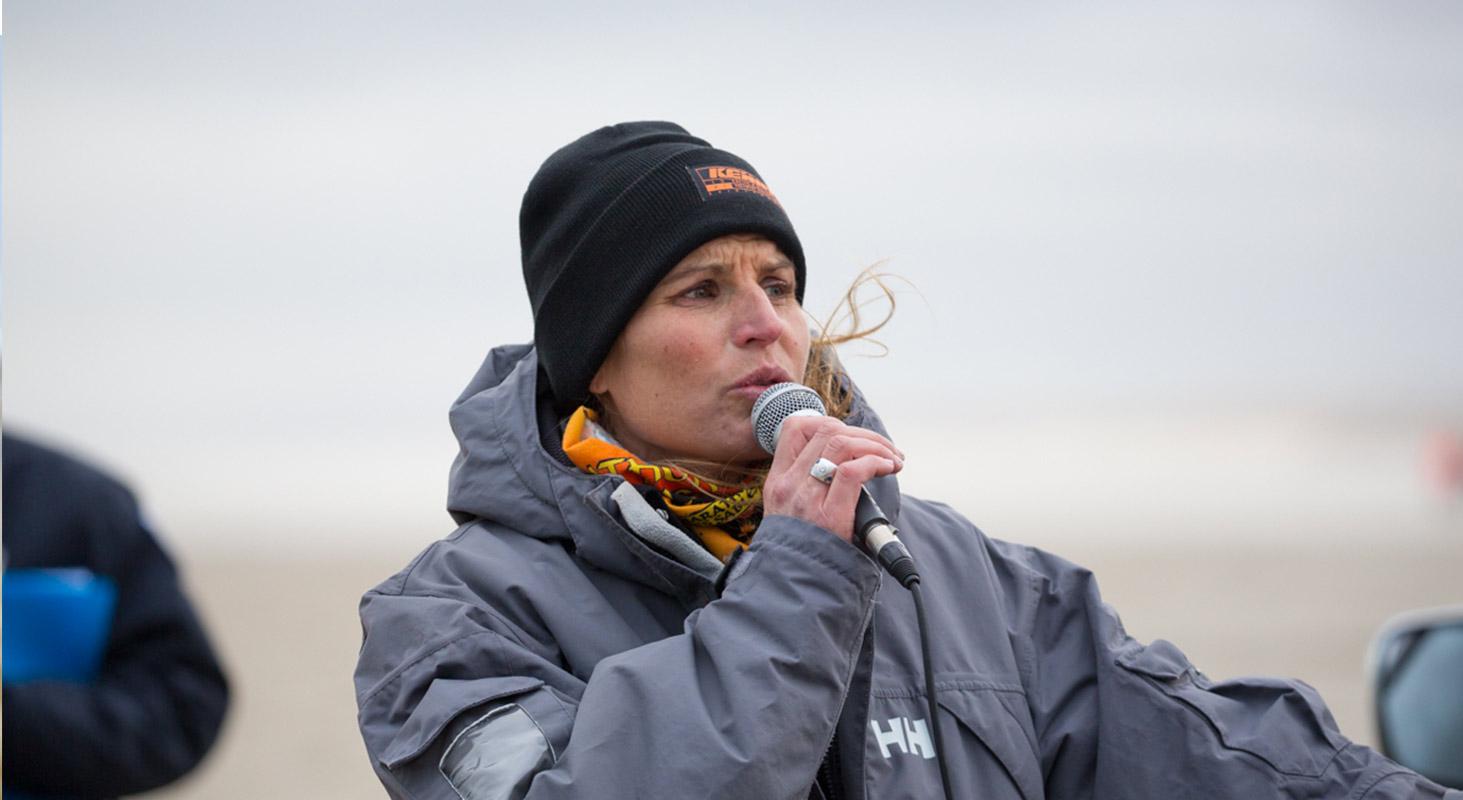 Karine Baillet lance le départ du Trail D2B sur la plage du Touquet