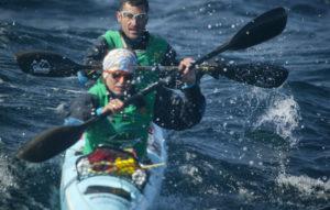 Karine Baillet et la team wilsa lors d'une seccion de kayak de mer en Ecosse