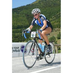 Karine Baillet lors de l'étape du Tour à vélo dans les montagnes