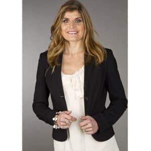 Portrait de Karine Baillet en tailleur