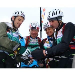 Karine Baillet à l'arrivée d'une épreuve sportive en Espagne avec son team