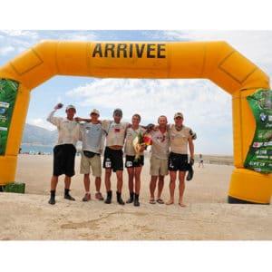 Karine Baillet et son team wilsa lors de l'arrivée d'une épreuve sportive