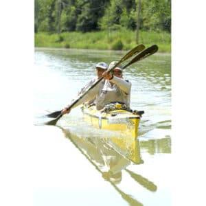 Karine Baillet sur la section kayak d'un raid multisports Canéo