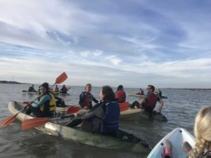 Teambuilding organisé par Karine Baillet Organisation lors d'une épreuve de canoe