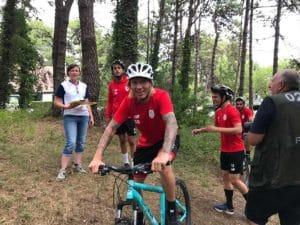 Teambuilding organisé par Karine Baillet Organisation lors d'une épreuve de VTT