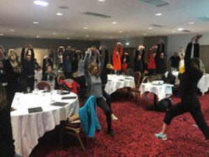 Teambuilding organisé par Karine Baillet Organisation lors d'une épreuve de relaxation